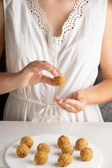 Delizioso dessert vegano ad alto contenuto proteico