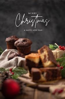 메리 크리스마스 메시지와 함께 맛있는 수제 크리스마스 디저트