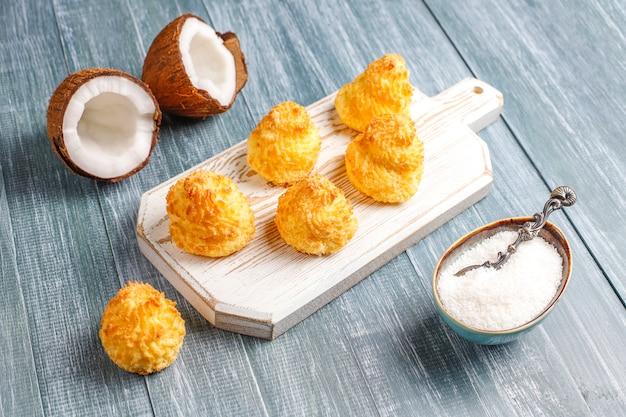 신선한 코코넛, 평면도와 맛있는 수제 코코넛 마카롱