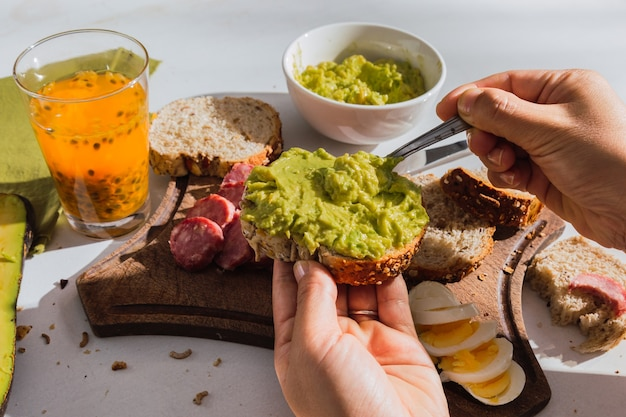 Вкусный образ сочного латиноамериканского завтрака.