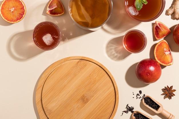 Ассортимент вкусных напитков из чайного гриба