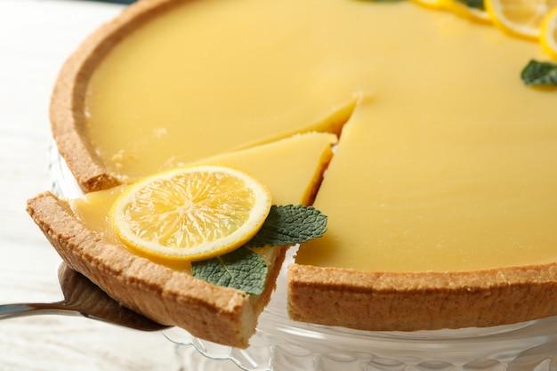 맛있는 레몬 타르트 및 주걱, 클로즈업