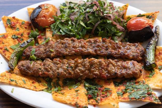 トルコ料理のおいしいミートボール