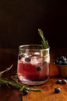 Delizioso assortimento di bevande alcoliche mezcal
