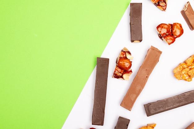ナッツ入りの美味しいミルクチョコレート