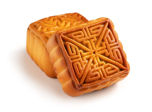 Вкусное тесто лунного пирога лунного пирога для еды фестиваля середины осени изолированное на белой предпосылке таблицы.