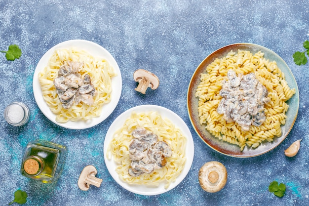 Delicious mushroom and chicken pasta