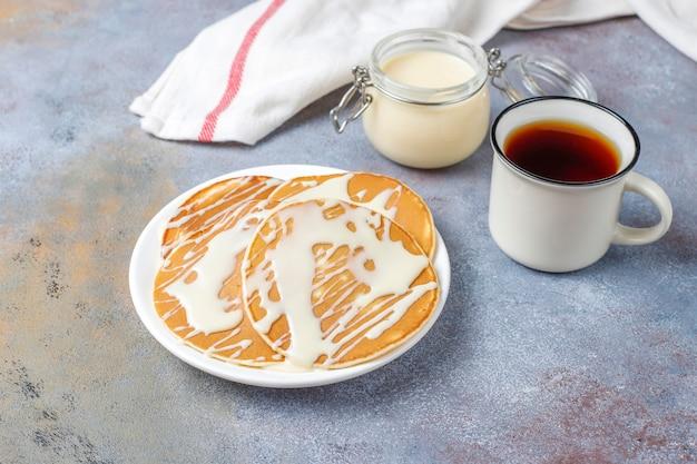 Deliziose frittelle con latte condensato.