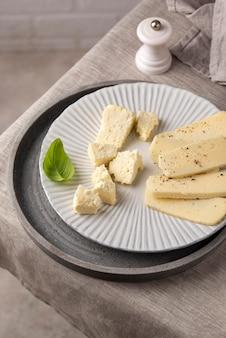 Delizioso assortimento di formaggi paneer