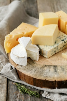 Delicious pieces of cheese Free Photo
