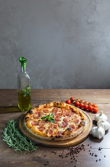 おいしいピザ、伝統的なイタリアンピザ。
