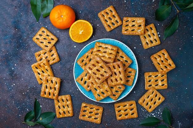 맛있는 퍼프 페이스 트리 쿠키, 평면도