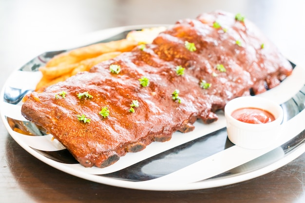 Delicious ribs with barbecue sauce