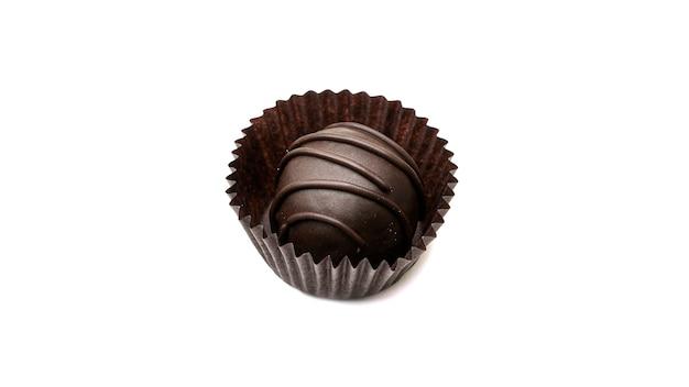 Вкусные, круглые, шоколадные конфеты в обертке