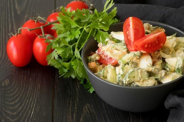 Вкусный салат с концепцией фасоли