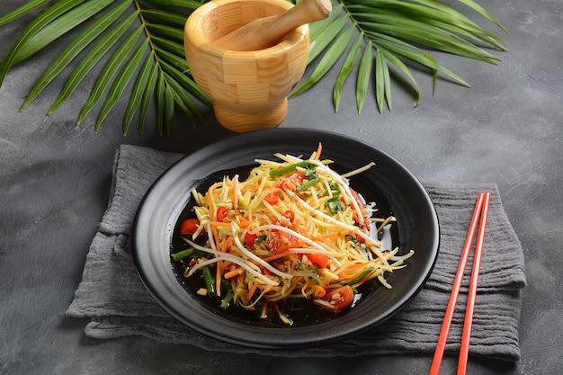 Delicious som tam -thai green papaya salad