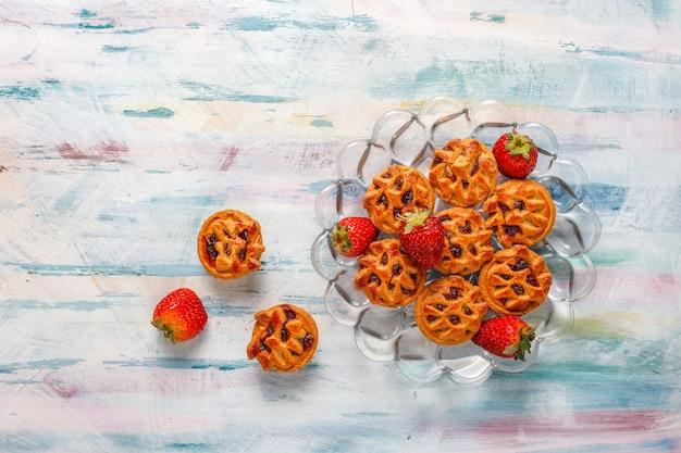 맛있는 딸기 미니 타르트.