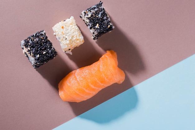 Deliziosi involtini di sushi