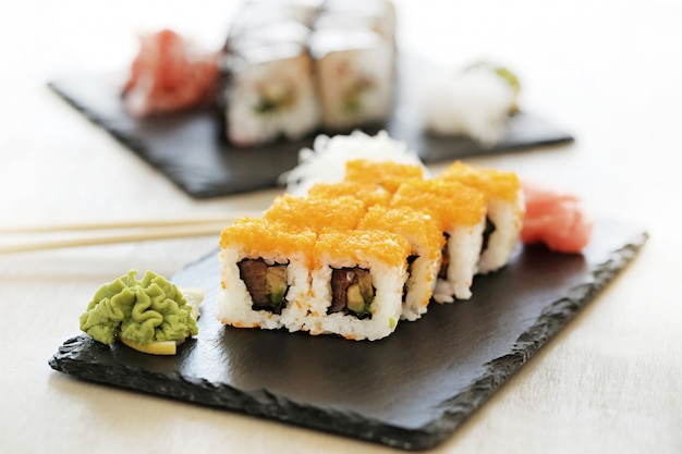 美味しいお寿司をテーブルでお召し上がりいただけます