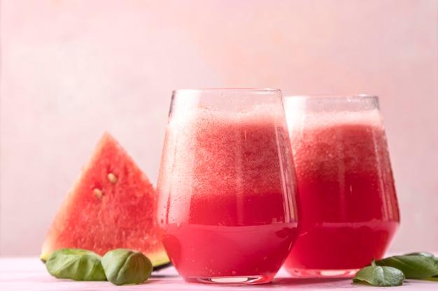 Deliziosa bevanda disintossicante all'anguria
