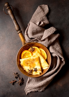 Вкусный зимний креп-десерт