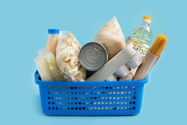 Коробка доставки продуктов на дом. крупный план
