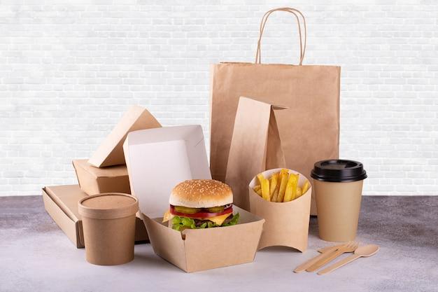Доставка еды в картоне