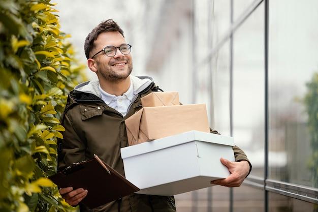 Доставка мужской с пакетами