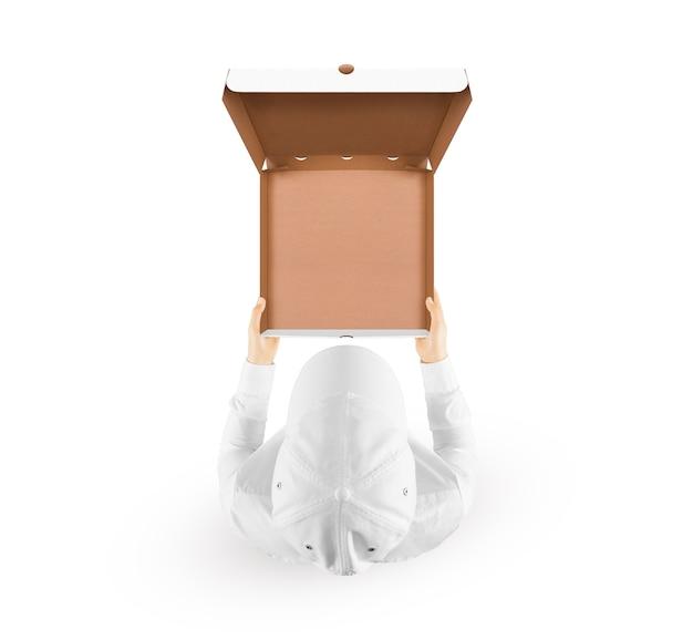 Доставщик, держащий пустую коробку для еды
