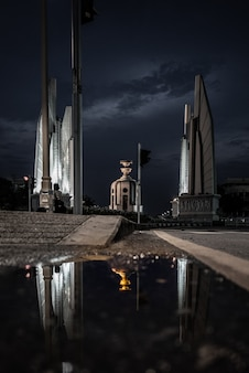 Памятник демократии в таиланде