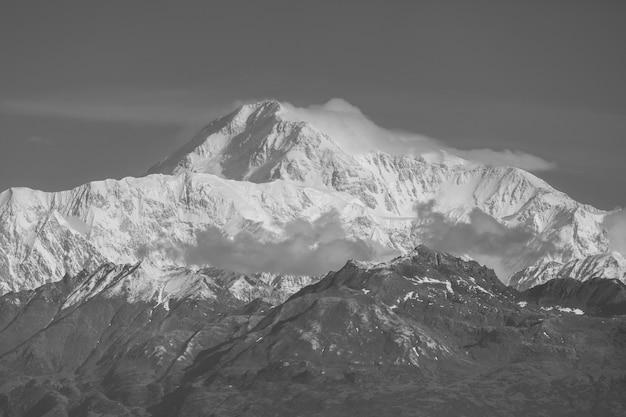Пик денали (мак-кинли) на аляске, сша