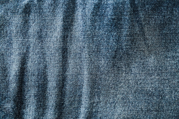 Denim surface with coarse appearance