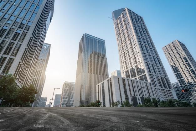 Густые небоскребы и дороги