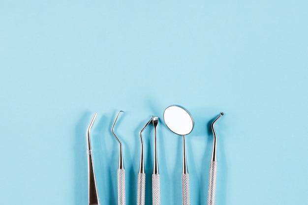 Стоматологическая концепция здоровое оборудование инструменты стоматологическая помощь