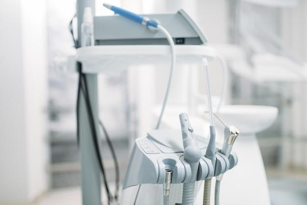 Стоматологическое оборудование в стоматологической клинике, стоматология