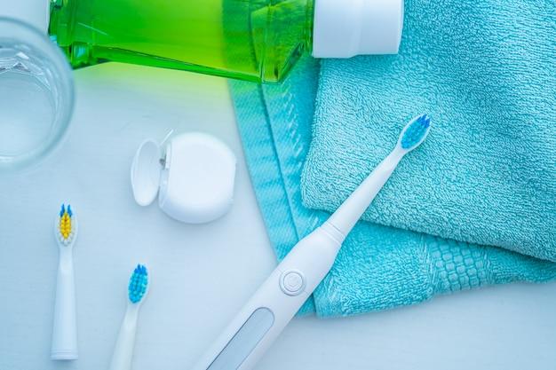 歯ブラシ、健康な歯のケア、口腔衛生と新鮮な呼吸のための歯科製品