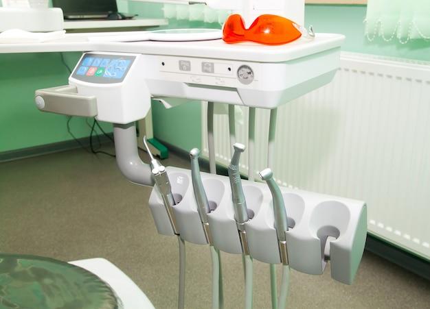 Оборудование стоматологов в клинике