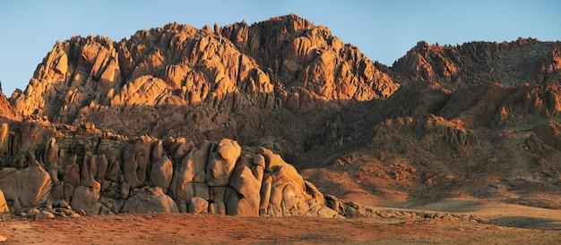 Desert landscapes of mongolia, red rocks