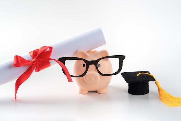 새로운 졸업생의 디자인 개념은 일자리를 찾고 돈을 벌고 저축하는 법을 배우려고 합니다.
