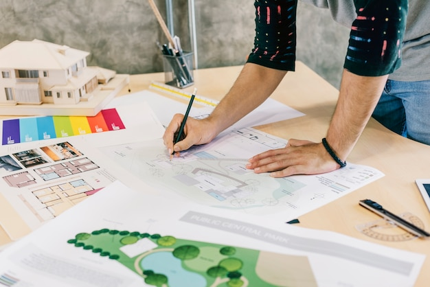 デザインスタジオの建築家の創造的な職業の青写真の概念