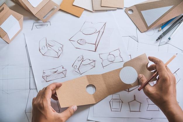 디자이너 디자인 제품 패키징 프로토 타입