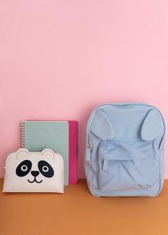 Desk arrangement with backpack