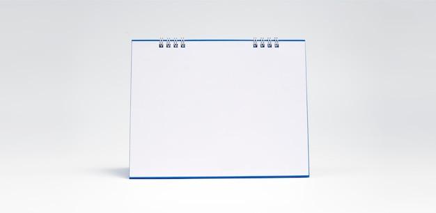 空白のデスクカレンダー、創造的なアイデア