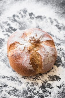 Рабочий стол с хлебом