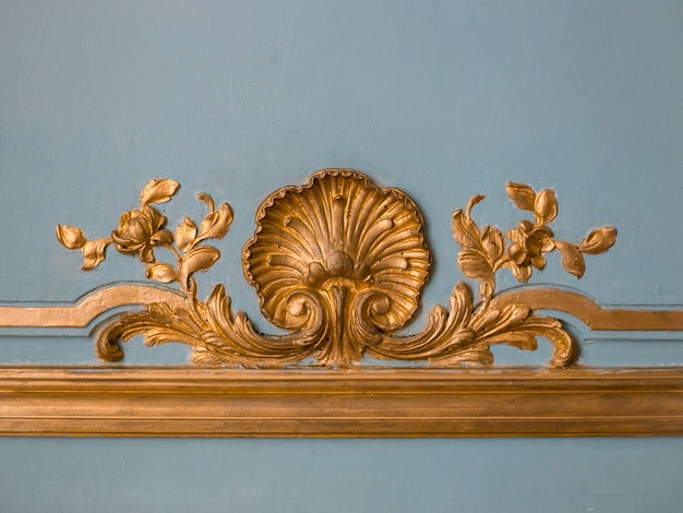 The detail of a beautiful wall decoration depicting image of flowers