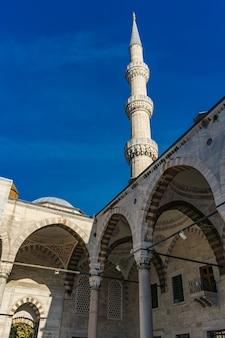 이스탄불, 터키의 suleymaniye 모스크 안뜰에서 세부 사항