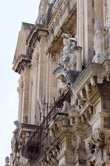 イタリア、カターニアの建物の詳細