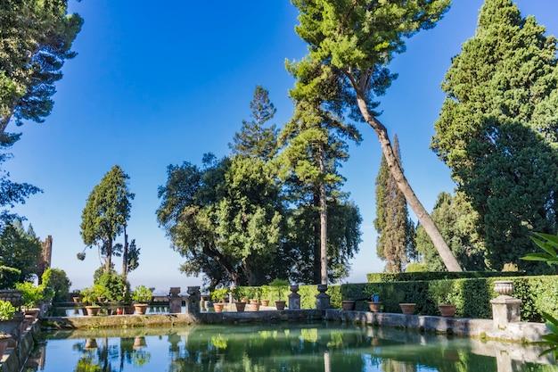 イタリア、チボリのヴィラデステからの詳細