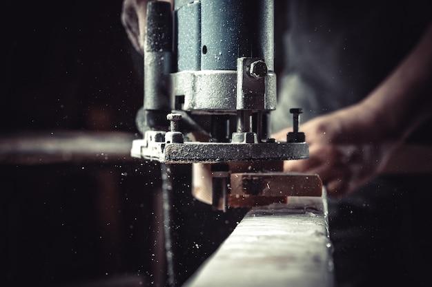 목재 밀링 중 목 공업에서 전기 밀링 커터의 세부 사항