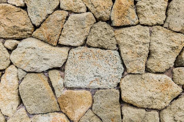 Деталь старой каменной стены